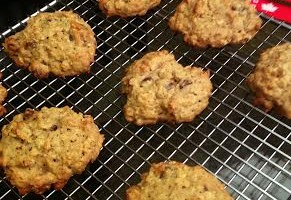 Lentil Oatmeal Peanut Butter Chocolate Chip Cookies