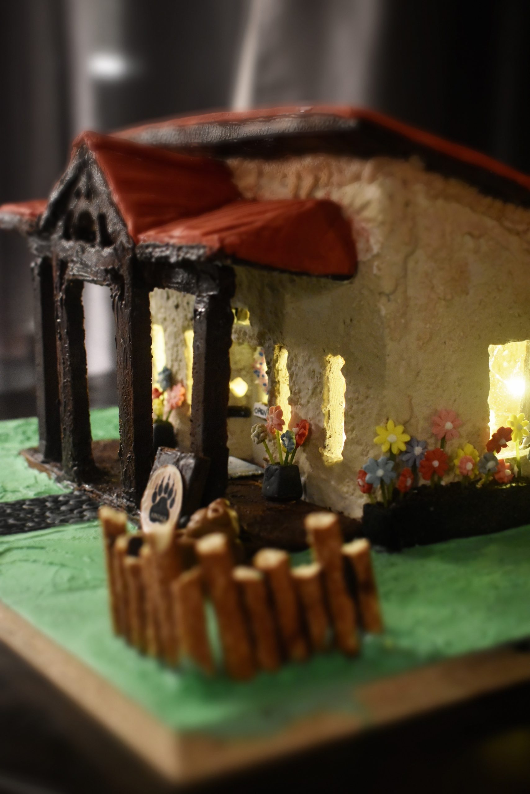 Bear In Mind Vintage Gingerbread House from award winning gingerbread artist Redawna Kalynchuk